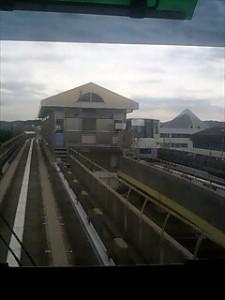金沢シーサイドライン市大医学部駅